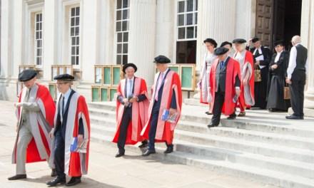 El Nobel Eric Maskin recibe el honoris causa por la Universidad de Cambridge
