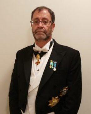 Dr. Francisco López Muñoz, investido caballero de la Orden Militar y Pontificia de Caballería del Santo Sepulcro de Jerusalén