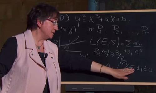 Dr. Pilar Bayer