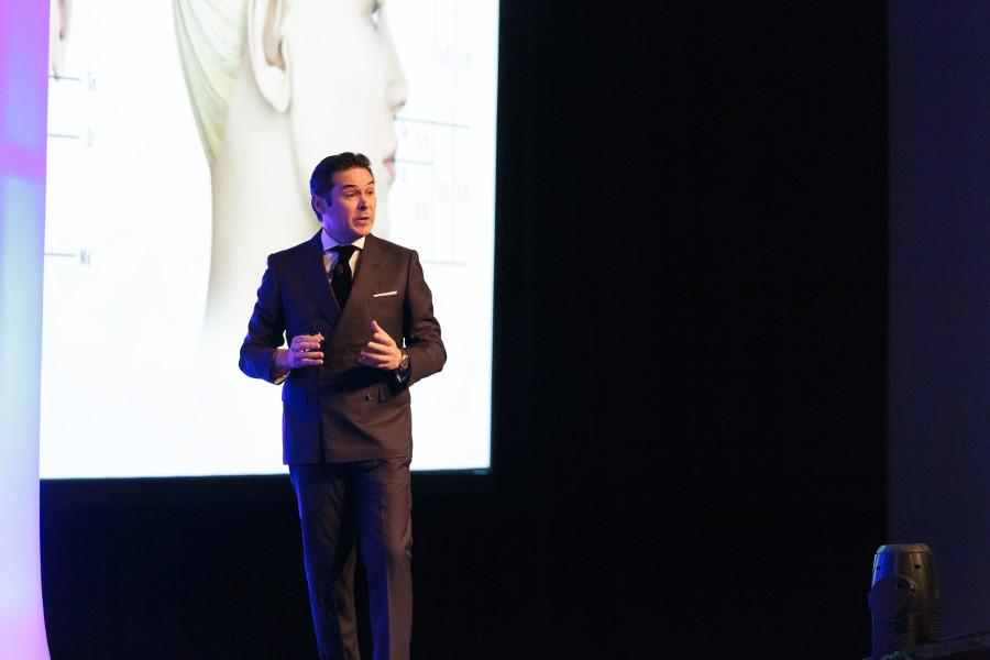 Luis Carrière junto con la élite mundial de la ortodoncia en el HSO Symposium de Arizona