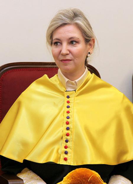 Dr. María Asunción Peire García