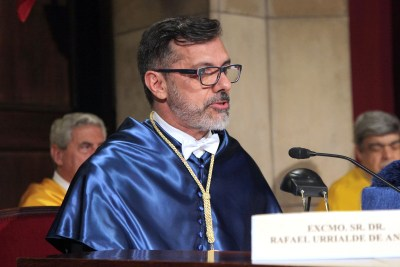 acto de ingreso del Dr. Rafael Urrialde de Andrés