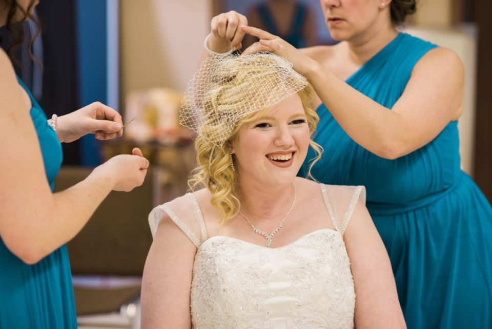 A bridal birdcage is a great alternative to a veil