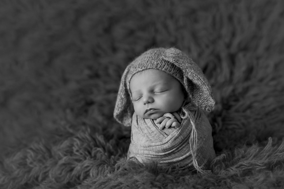 Newborn Baby Boy Photos   Stettler Photographers  _0102.jpg