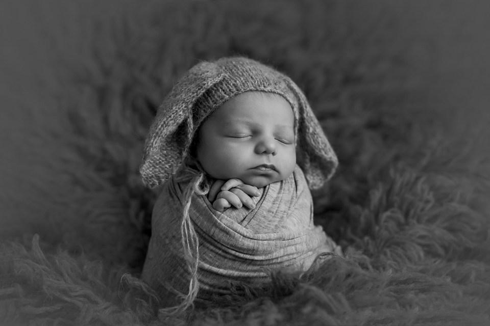 Newborn Baby Boy Photos   Stettler Photographers  _0106.jpg
