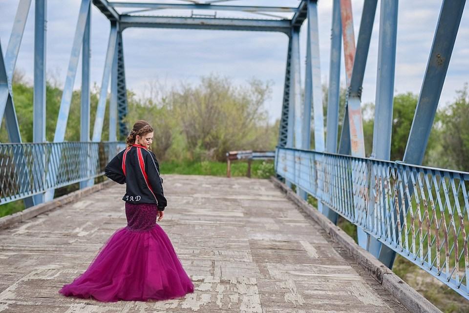 Burma Park Grad Photos | Stettler Photographers | Sydney's Grad Portraits