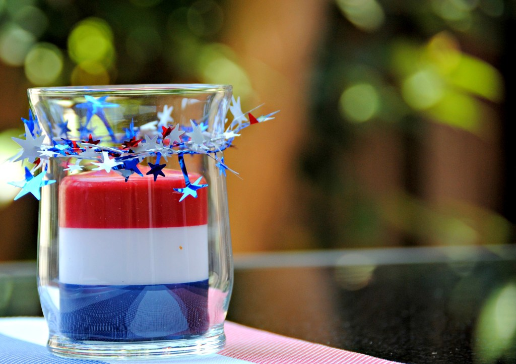 DIY Dollar Store Candle Centerpiece - 4th of July Centerpiece Idea
