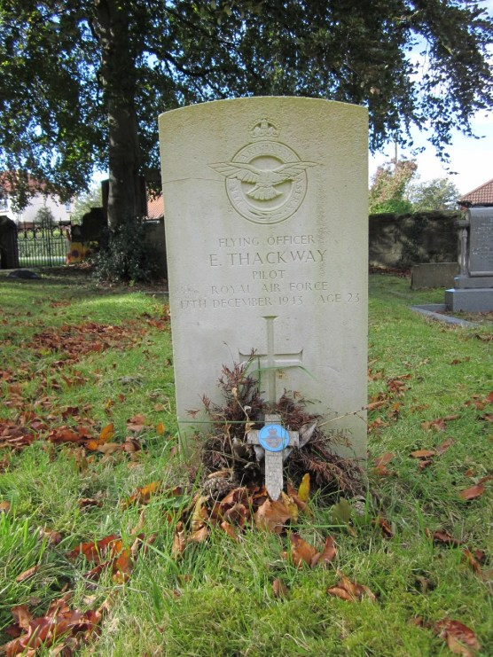 ted-thackway-grave