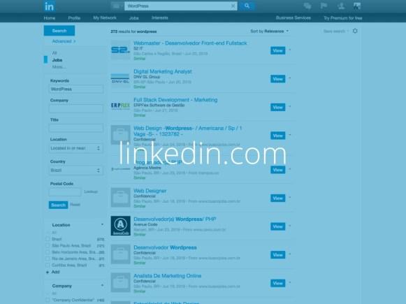 Captura de tela de uma pesquisa feita no LinkedIn com o texto linkedin.com escrito sobre ela