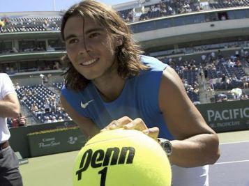 Comme souvent, Nadal connait quelques soucis de santé en début de saison. 2007 n'échappe pas à la règle. Il atteint néanmoins les quarts de finale en Australie pour la première fois. Puis, au mois de mars, il triomphe à Indian Wells. Son premier titre depuis Roland-Garros l'année précédente.