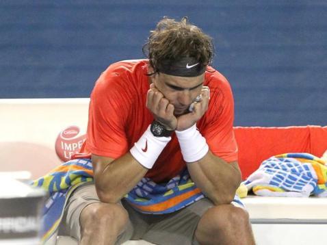 Nouveau déboires à l'Open d'Australie en ce mois de janvier 2011. Encore diminué physiquement, il met un point d'honneur à ne pas abandonner en quarts de finale face à David Ferrer. Mais il est battu en trois sets.