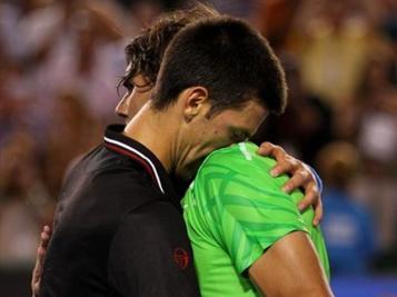 Mais Djokovic aura le dernier mot. Pour la troisième fois consécutive, Nadal cède en finale de Grand Chelem contre le Serbe, lequel a pris un ascendant indéniable sur lui. Score final: 5-7, 6-4, 6-2, 6-7, 7-5.
