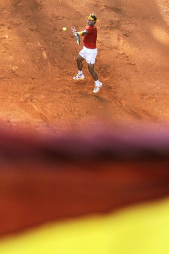 Rafael Nadal beats Sergiy Stakhovsky 60 60 64 Davis Cup (5)