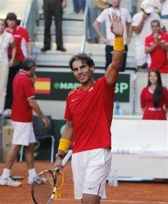 Rafael Nadal beats Sergiy Stakhovsky 60 60 64 Davis Cup (9)