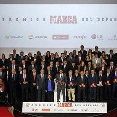 Rafael Nadal Gets Best Spanish Athlete Award Marca 2013 (1)