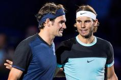 Switzerland's Roger Federer (L) and Spain's Rafael Nadal before their final match at the Swiss Indoors tennis tournament at the St. Jakobshalle in Basel, Switzerland, 01 November 2015. (Tenis, Suiza, Basilea) EFE/EPA/DOMINIC STEINMANN