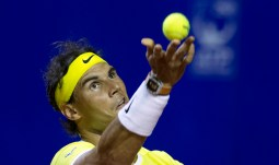 Rafael Nadal of Spain serves to Juan Monaco of Argentina during the ATP Argentina Open in Buenos Aires, Argentina, Thursday, Feb. 11, 2016. (AP Photo/Natacha Pisarenko)
