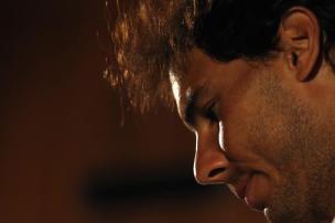 """El tenista español Rafael Nadal habla hoy, lunes 15 de febrero de 2016, durante rueda de prensa del Abierto de Tenis de Río, en Río de Janeiro (Brasil). Nadal afirmó hoy que no le asusta """"en absoluto"""" la emergencia sanitaria decretada en Brasil por la propagación del virus del Zika. EFE/Marcelo Sayão"""