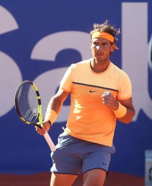 El tenista español Rafael Nadal durante la final del Barcelona Open Banc Sabadell Trofeo Conde de Godó contra el japonés Kei Nishikori que se disputa en Barcelona. EFE/Toni Albir
