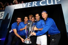 (L-R) Marin Cilic, Rafael Nadal, Alexander Zverev, Dominic Thiem, Roger Federer and Tomas Berdych of Team Europe lift the Laver Cup trophy on the final day of the Laver cup on September 24, 2017 in Prague, Czech Republic. The Laver Cup consists of six European players competing against their counterparts from the rest of the World. Europe will be captained by Bjorn Borg and John McEnroe will captain the Rest of the World team. The event runs from 22-24 September. (Sept. 23, 2017 - Source: Clive Brunskill/Getty Images Europe)