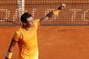 EPA6550. ROQUEBRUNE CAP MARTIN (FRANCIA), 18/04/2018.- El tenista español Rafa Nadal celebra su victoria ante el eslovaco Aljaz Bedene durante el partido que enfrentó a ambos en la segunda ronda del Master 1.000 ATP de Montecarlo celebrado en Roquebrune Cap Martin en Francia hoy, 18 de abril de 2018. Nadal inició la conquista de su undécimo título en Montecarlo con una victoria ante el esloveno Aljaz Bedene, por 6-1 y 6-3 en 78 minutos. EFE/ Sebastien Nogier