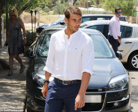 Rafael Nadal welcomes Spanish former king and queen at his Academy in Mallorca