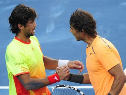 Les défaites de Nadal sur terre battue sont rares. Celle-ci ne compte pas vraiment comme une défaite comme une autre, sur la terre... bleue de Madrid. Rafa s'incline contre Verdasco et quitte la capitale espagnole furieux.