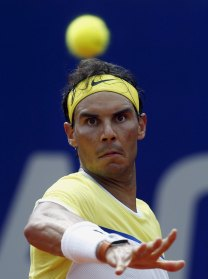 Spain's Rafael Nadal plays a shot during his semi-final tennis match against Austria's Dominic Thiem at the ATP Argentina Open in Buenos Aires, February 13, 2016. REUTERS/Marcos Brindicci