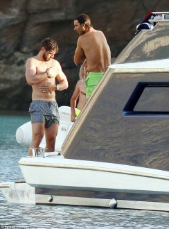 Rafael Nadal continues recovery from wrist injury on holiday with girlfriend Maria Francisca Perello (16)