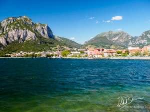 Jezioro Como z widokiem na Lecco i góry