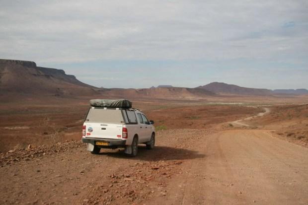 Quanto costa un self drive in Namibia? Damaraland on the road