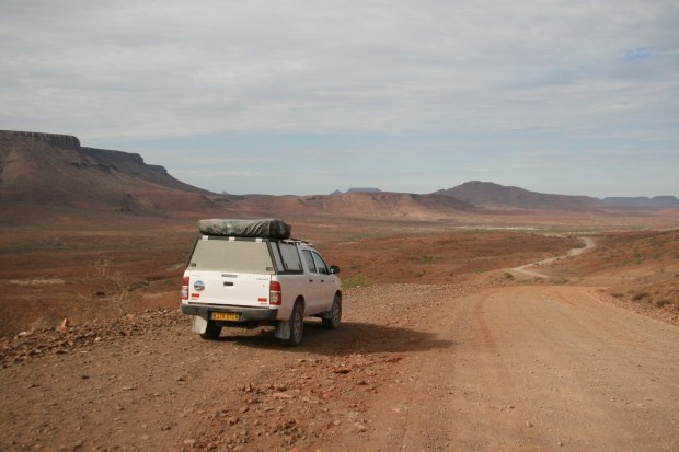 Quanto costa un self drive in Namibia? Damaraland on the road