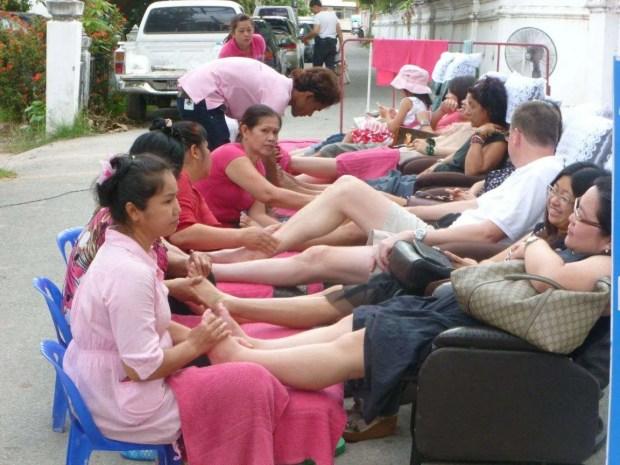 I massaggi del mercato della domenica a Chiang Mai