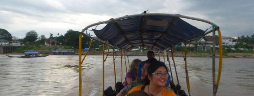 Attraversamento del Mekong al confine tra Chiang Khong e Houay Xai