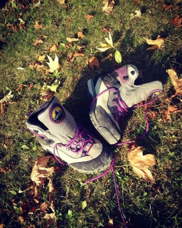 Cosa mettere in valigia: gli scarponcini da trekking
