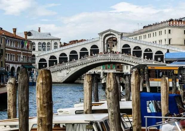 Il Ponte di Rialto, una delle icone di Venezia