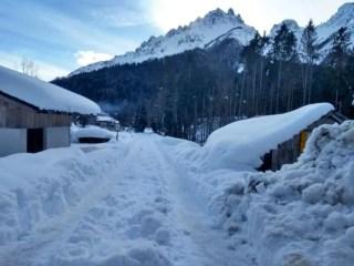 La partenza del sentiero per il Rifugio Giaf in inverno