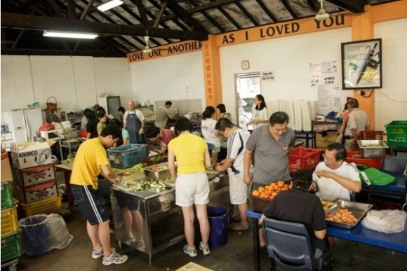 Volunteers at Willing Hearts soup kitchen