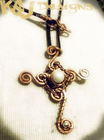 gothic-cross-necklace