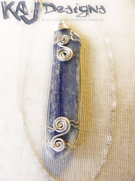 kyanite-blade-necklace