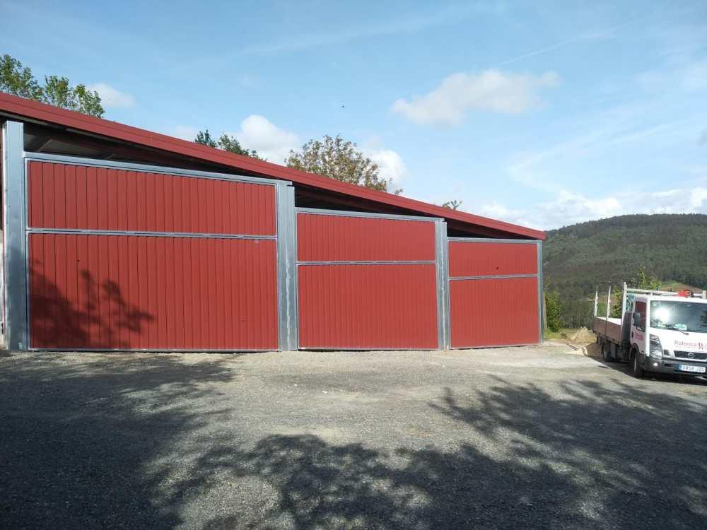 Instalación en Arzúa de portales contrapesados Novoferm CP-10 2