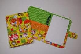 A closer look at Dohi's adorable food-themed note pad cover.
