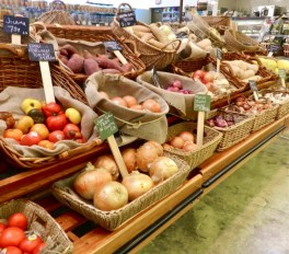 Veggies and fruits come directly from locally-sourced growers.