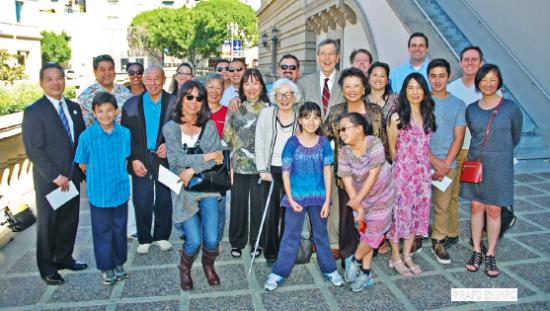 Jiro Morita's extended family gathered at the Pasadena Convention Center to celebrate his memory. (MIKEY HIRANO CULROSS/Rafu Shimpo)