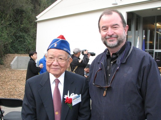 Tom Graves with Terry Shima of the Japanese American Veterans Association at the opening of the MIS Historic Learning Center in San Francisco last year. (J.K. YAMAMOTO/Rafu Shimpo)