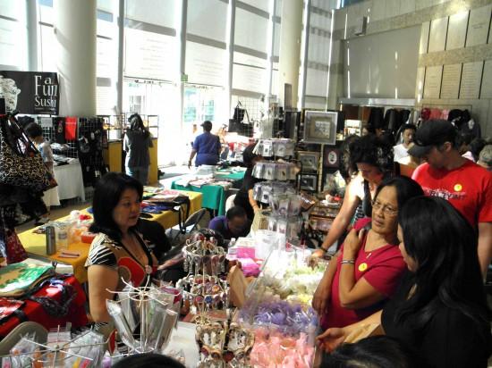 Last year's Kokoro Craft Fair at JANM. (J.K. YAMAMOTO/Rafu Shimpo)