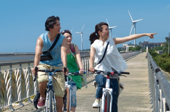 """Koji Hagiuda's """"Riding the Breeze"""" is about a Japanese woman's adventures in Taiwan."""
