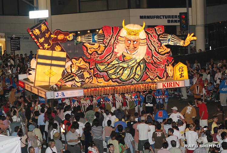 2007年に初参加し話題をさらった竹浪比呂央さん作のねぶた「信玄」。この夏、感動が甦る