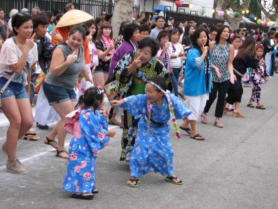 Dancers at last year's Bon Odori. (J.K. YAMAMOTO/Rafu Shimpo)