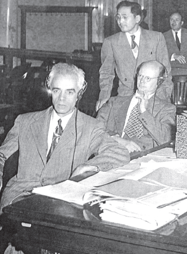 Tex Nakamura with civil rights attorney Wayne Collins in 1946. Nakamura organized the Tule Lake Legal Defense Committee and worked with Collins to restore U.S. citizenship to renunciants.